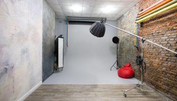 Аренда фотостудий лофт в Украине почасово • 2021 • RoomRoom 20