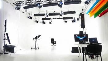 Аренда площадок киностудий для съемок в Украине почасово • 2021 • RoomRoom 6