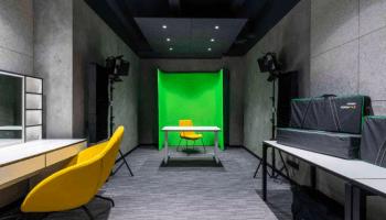 Аренда студий для видеосъемки в Украине почасово • 2021 • RoomRoom 11