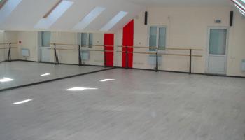 Лучшие места для танцев на пилоне в Украине • 2021 • RoomRoom 9