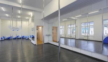 Лучшие места для танцев на пилоне в Украине • 2021 • RoomRoom 7