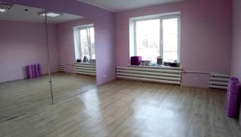 Лучшие места для танцев на пилоне в Украине • 2021 • RoomRoom 4