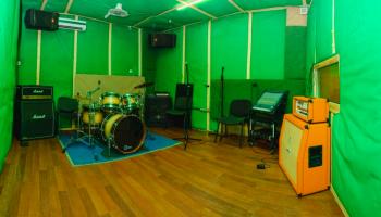 Аренда студий звукозаписи почасово • 2020 • RoomRoom