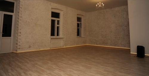 Deca Dance - 2 танцевальных зала в центре Киева • 2021 • RoomRoom 3