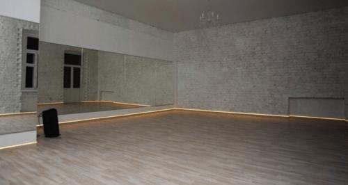 Deca Dance - 2 танцевальных зала в центре Киева • 2021 • RoomRoom 2