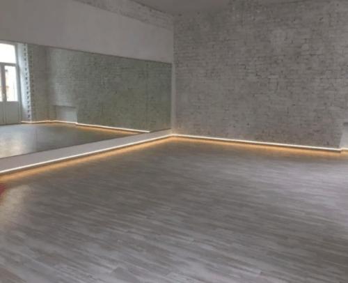 Deca Dance - 2 танцевальных зала в центре Киева • 2021 • RoomRoom 1