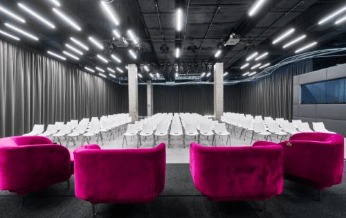 PMHUB - ивент холл с открытой крышей на Печерске • 2021 • RoomRoom 11