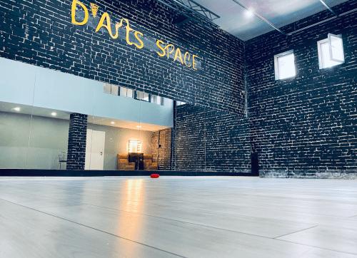 Darts Space - танцевальная студия в стиле лофт на Подоле • 2021 • RoomRoom 1