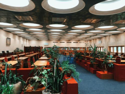 Библиотека им. Вернадского - уникальная советская архитектура • 2021 • RoomRoom 1