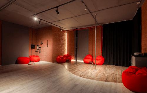 Tais Place - универсальное место для мероприятий • 2020 • RoomRoom 1