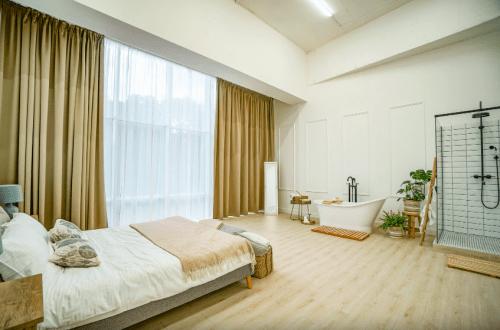 LAvish - креативная фотостудия с 3 залами • 2020 • RoomRoom