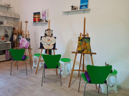 Фрейя - танцевальная студия с пилонами и полотнами • 2021 • RoomRoom 9