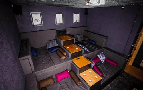 RockFellow 210 - антикинотеатр с 5 залами • 2021 • RoomRoom 8