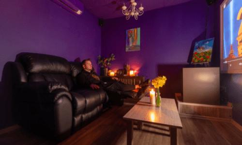 Rockfellow на Андреевском - 6 стильных кинозалов с играми • 2021 • RoomRoom 2