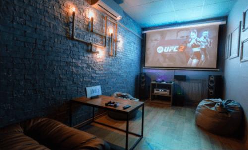 Rockfellow на Андреевском - 6 стильных кинозалов с играми • 2021 • RoomRoom 5