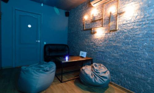 Rockfellow на Андреевском - 6 стильных кинозалов с играми • 2021 • RoomRoom 6