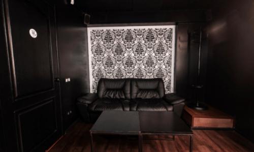 Rockfellow на Андреевском - 6 стильных кинозалов с играми • 2021 • RoomRoom 9