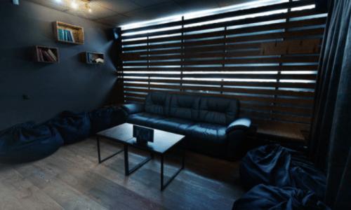 Rockfellow на Андреевском - 6 стильных кинозалов с играми • 2021 • RoomRoom 8
