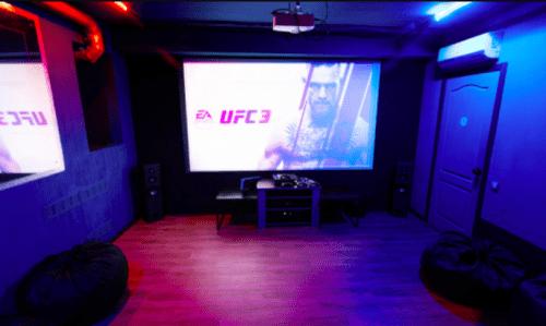 Rockfellow на Андреевском - 6 стильных кинозалов с играми • 2021 • RoomRoom 14