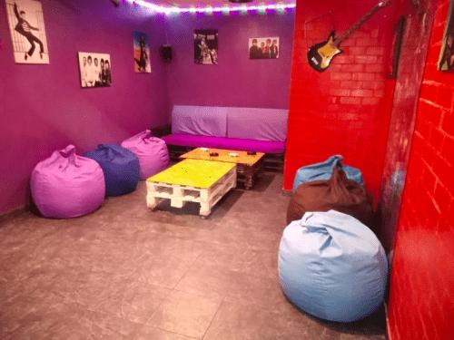 Kinoroom Позняки - кинотеатр с караоке, играми и VR • 2021 • RoomRoom 6