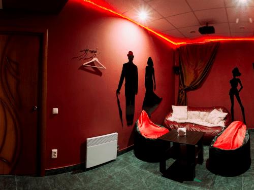 Kinoroom Позняки - кинотеатр с караоке, играми и VR • 2021 • RoomRoom 1