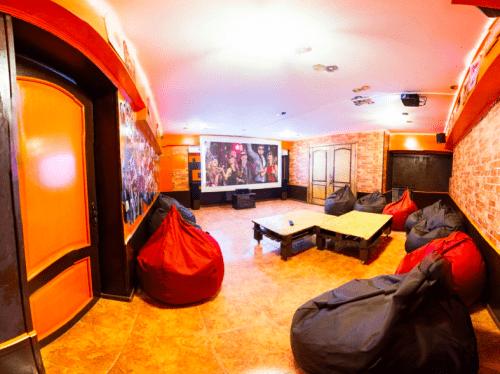 Kinoroom Теремки - универсальные кинозалы с играми и караоке • 2021 • RoomRoom 2