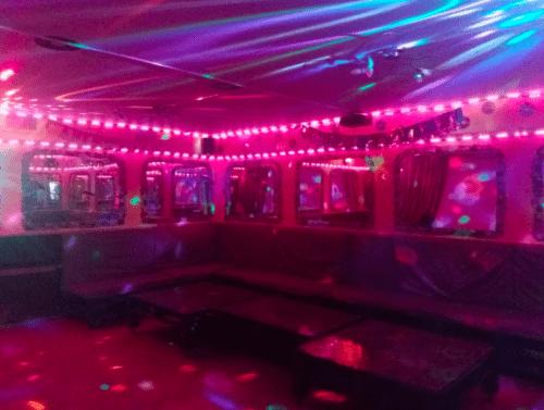 Kinoroom Теремки - универсальные кинозалы с играми и караоке • 2021 • RoomRoom 9