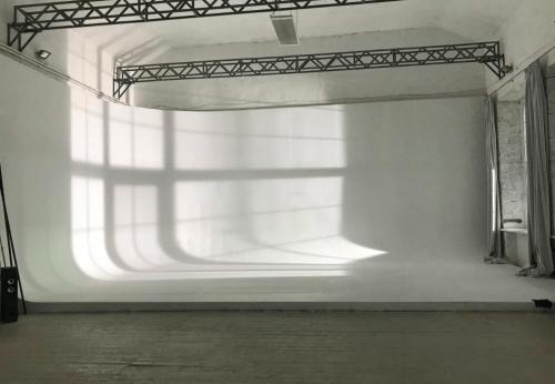 Poohgoodmood - большой светлый павильон в Одессе • 2021 • RoomRoom 5