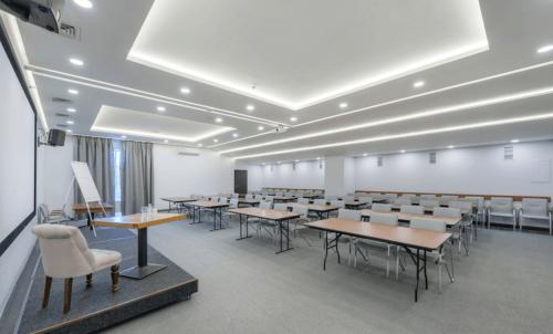 Gagarinn - современный комплекс из 9 конференц залов • 2021 • RoomRoom 7