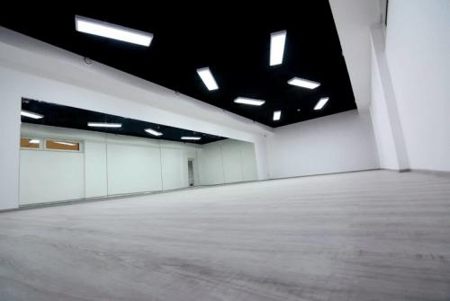 Evolution Dance Centre - 2 больших танцевальных зала • 2021 • RoomRoom 3