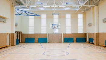 Аренда баскетбольного зала в Украине почасово • 2021 • RoomRoom 3