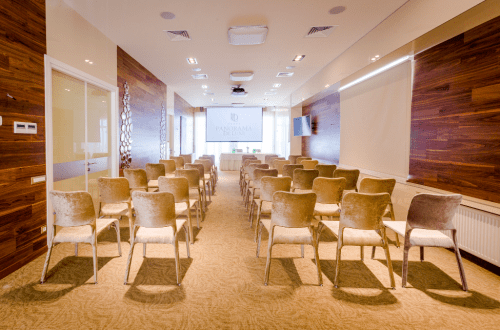 Panorama De Luxe - конференц зал и стильная терраса на крыше • 2021 • RoomRoom 2