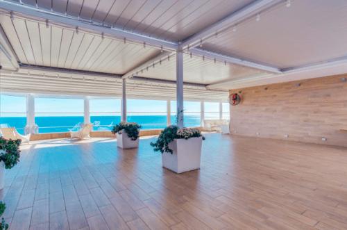 Panorama De Luxe - конференц зал и стильная терраса на крыше • 2021 • RoomRoom 10