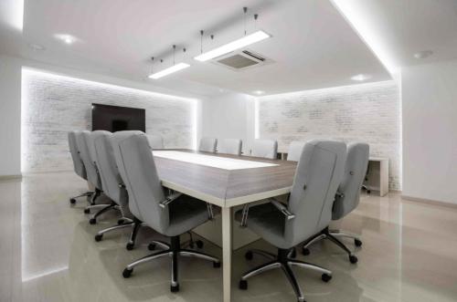 Atlantic Garden Resort - 5 стильных конференц залов и комната переговоров • 2021 • RoomRoom 7