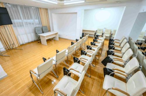 Atlantic Garden Resort - 5 стильных конференц залов и комната переговоров • 2021 • RoomRoom 15