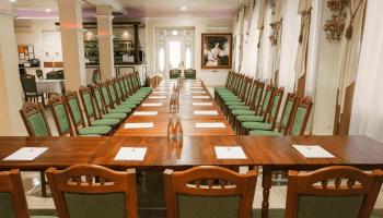 Лучшие места для проведения презентации книг в Украине • 2021 • RoomRoom 14