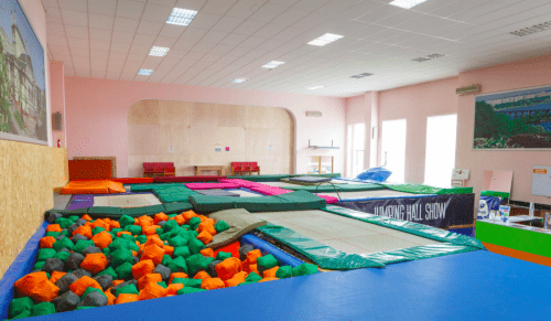 Jumping Hall - батутный зал и 2 зала с татами на Берестейской • 2021 • RoomRoom 2