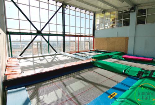 Jumping Hall - батутный зал с Mega Tramp на Харьковском шоссе • 2021 • RoomRoom 1