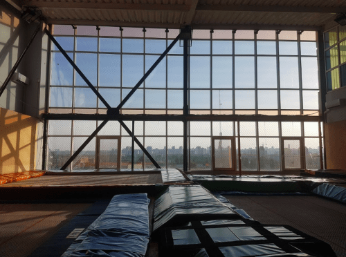 Jumping Hall - батутный зал с Mega Tramp на Харьковском шоссе • 2021 • RoomRoom 2