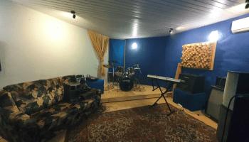 Аренда репетиционных баз в Украине почасово • 2021 • RoomRoom 13
