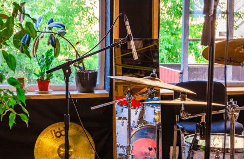 Bright Sound - 2 репетиционных зала в лофт стиле • 2021 • RoomRoom 8
