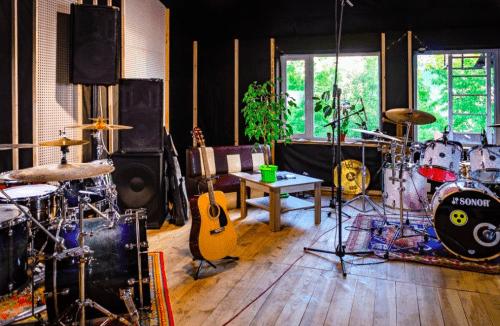 Bright Sound - 2 репетиционных зала в лофт стиле • 2021 • RoomRoom 7