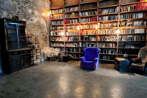 Dark Loft - фотостудия с 2 залами в стиле лофт • 2021 • RoomRoom 1