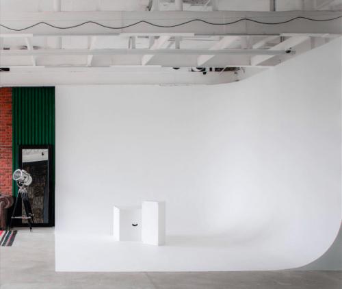 Upstairs - фотостудия с 4 залами и террасой на Лукьяновке • 2021 • RoomRoom 11