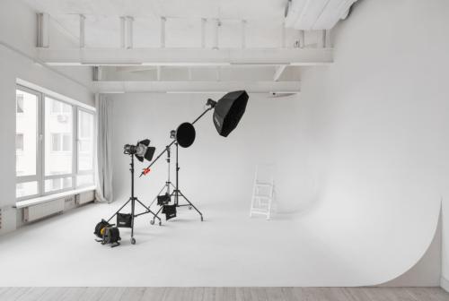 Upstairs - фотостудия с 4 залами и террасой на Лукьяновке • 2021 • RoomRoom 14