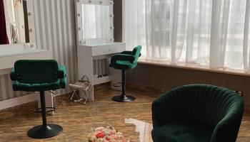 Аренда мест в бьюти коворкингах в Украине почасово • 2021 • RoomRoom 2